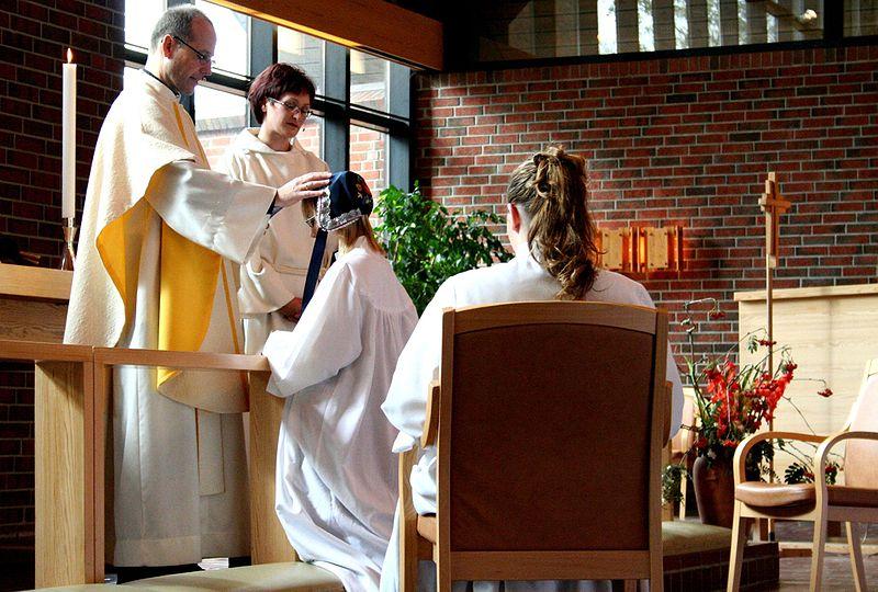 warum d rfen katholische priester nicht heiraten kindersache. Black Bedroom Furniture Sets. Home Design Ideas
