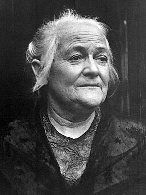 Die Frauenrechtlerin Clara Zetkin, etwa im Jahr 1920