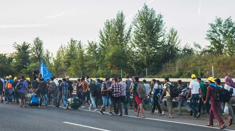 Flüchtlingsmarsch nach Ungarn 2015 © Joachim Seidler, wikimedia, CC BY 2.0